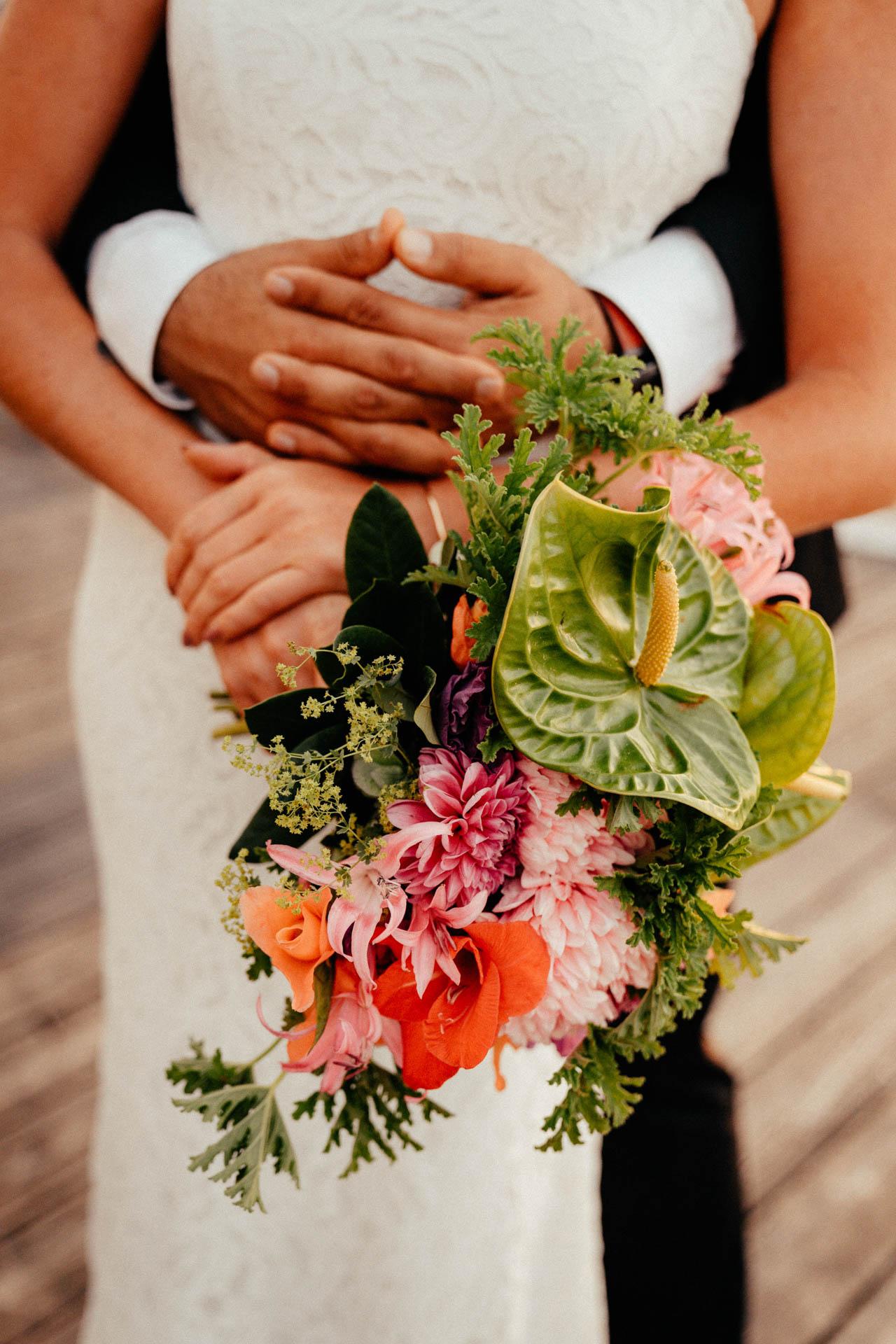 Brautstrauß bei Sommerhochzeit