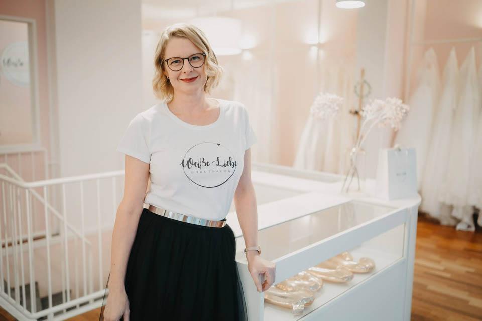 Brautkleider bei Dortmund, Besitzerin Rosa Anna Brandt im Brautsalon Weiße Liebe in Schwerte