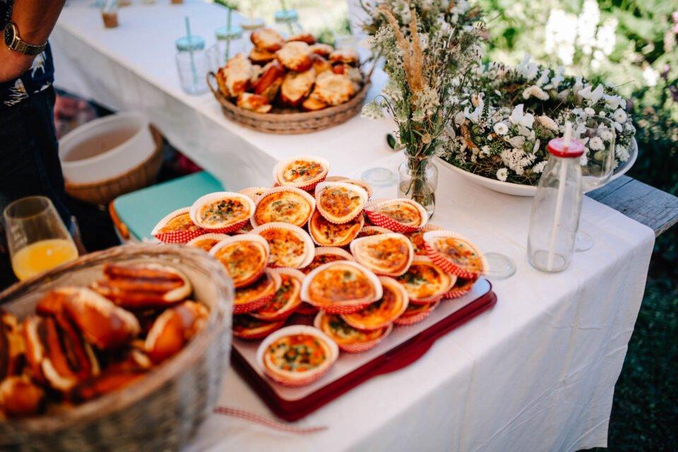 Snacks beim Hochzeitsbuffet