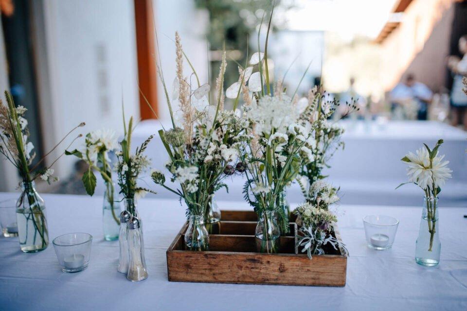 Tischdeko bei Hochzeit im Weingut Schneider-Pfefferle