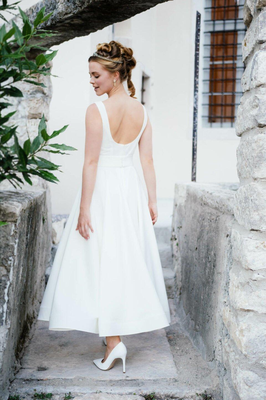 Knöchellanges Brautkleid mit tiefem Rückenausschnitt