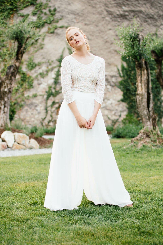 Hosenrock zur Hochzeit mit Braut Body aus Paisley Spitze