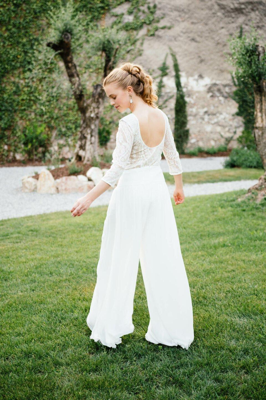 Hosenrock Braut von hinten mit Braut Body