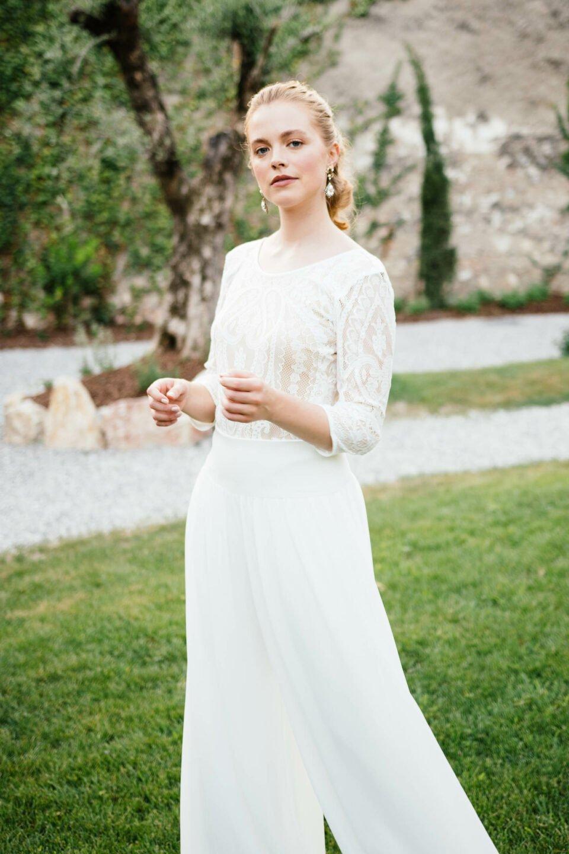 Braut Body aus Spitze mit Hosenrock zur Hochzeit
