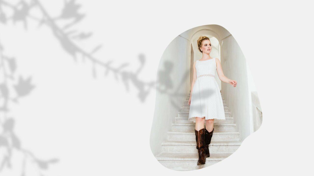 Kurzes Bio Brautkleid mit transparenter Taille