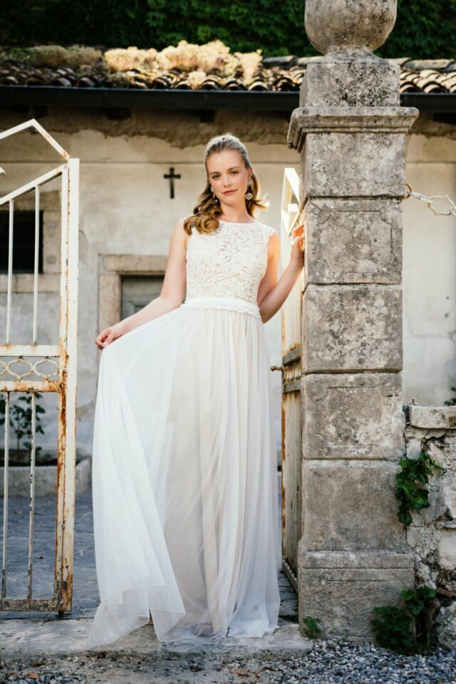 Boho Hochzeitskleid in Nude mit Soft-Tüll-Rock