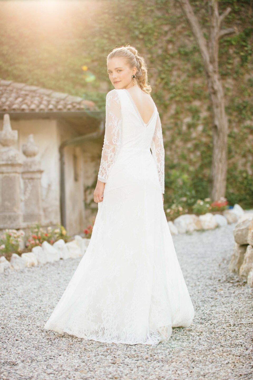 Vintage Hochzeitskleid mit Langarm und V-Neck von hinten