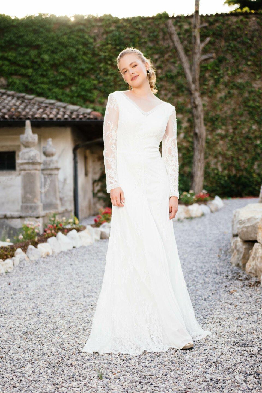 Langarm Brautkleid Vintage mit V-Ausschnitt und Langarm