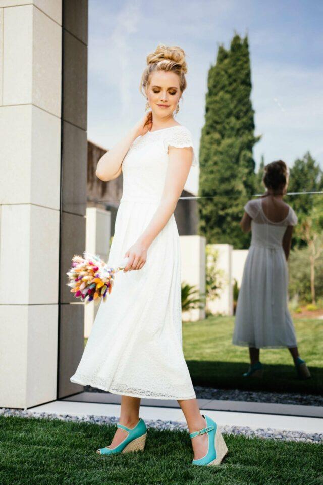 tea-length Brautkleid aus Spitze mit Braut Top