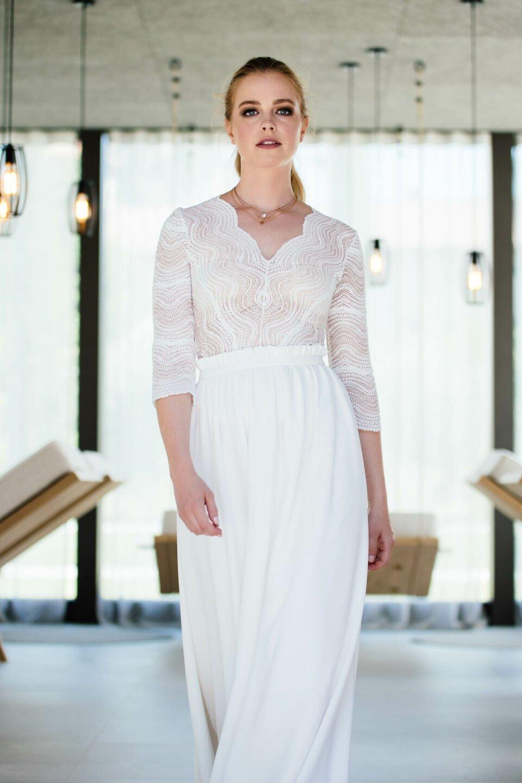 Hochzeitsrock mit besonderer Raffung und Brautbody aus Spitze