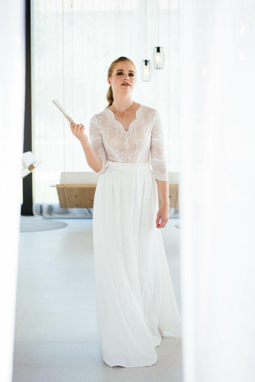 Langer Brautrock mit Braut Body aus recycelter Spitze
