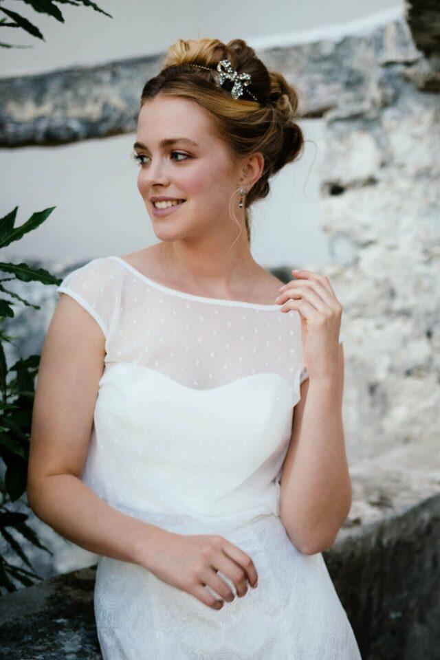 Hochzeits-Mehrteiler aus Tupfen-Top, Stretchcorsage und Brautrock in Spitze