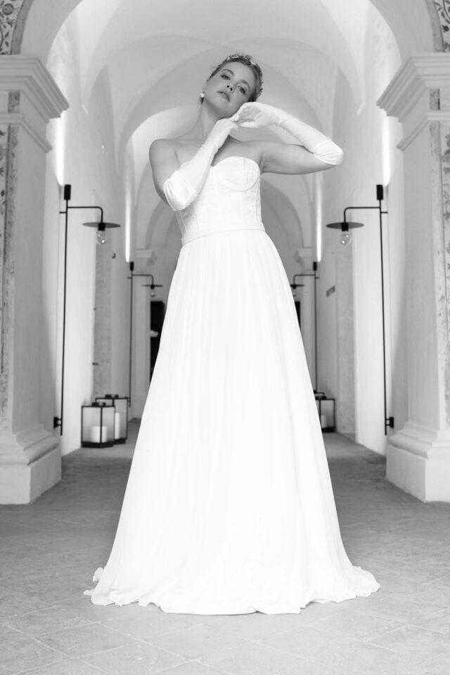Bridgerton Brautkleid im Vintage Stil mit aufgesetzter Stäbchenverarbeitung – Alina