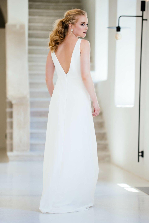 Conscious Brautkleid aus Viskose mit tiefem V-Ausschnitt