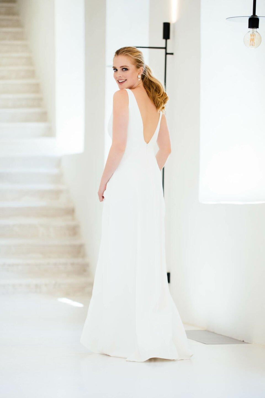 Nachhaltiges Brautkleid mit V-Ausschnitt im Rücken