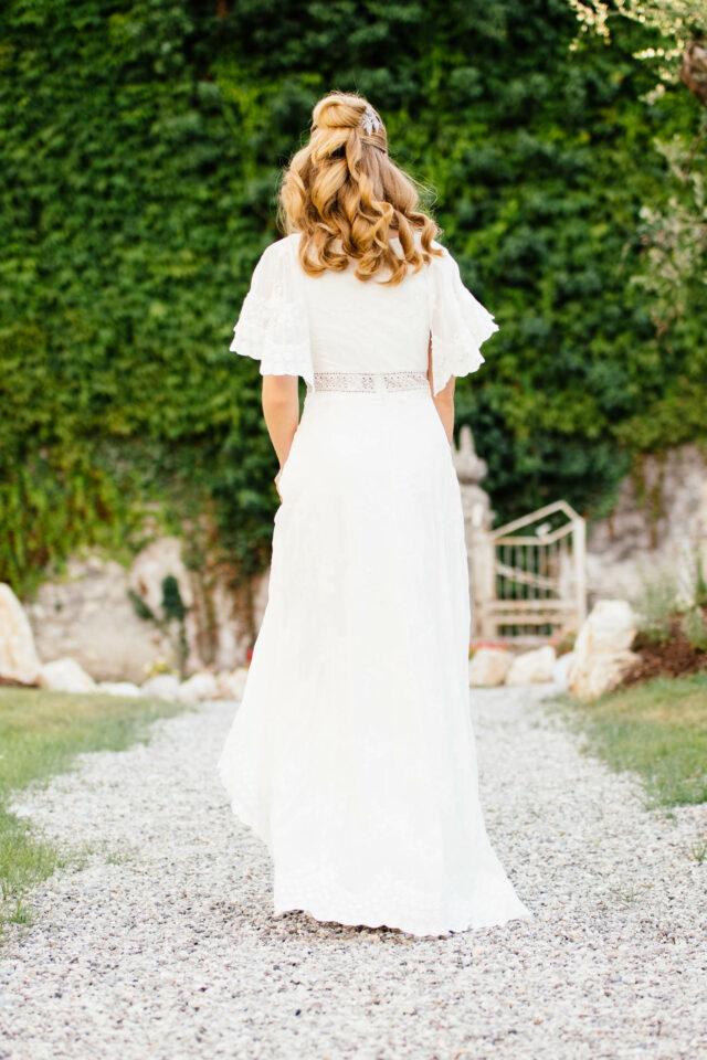 Hippie Hochzeitskleid mit Fledermausärmel in bestickter Spitze – Amaryllis