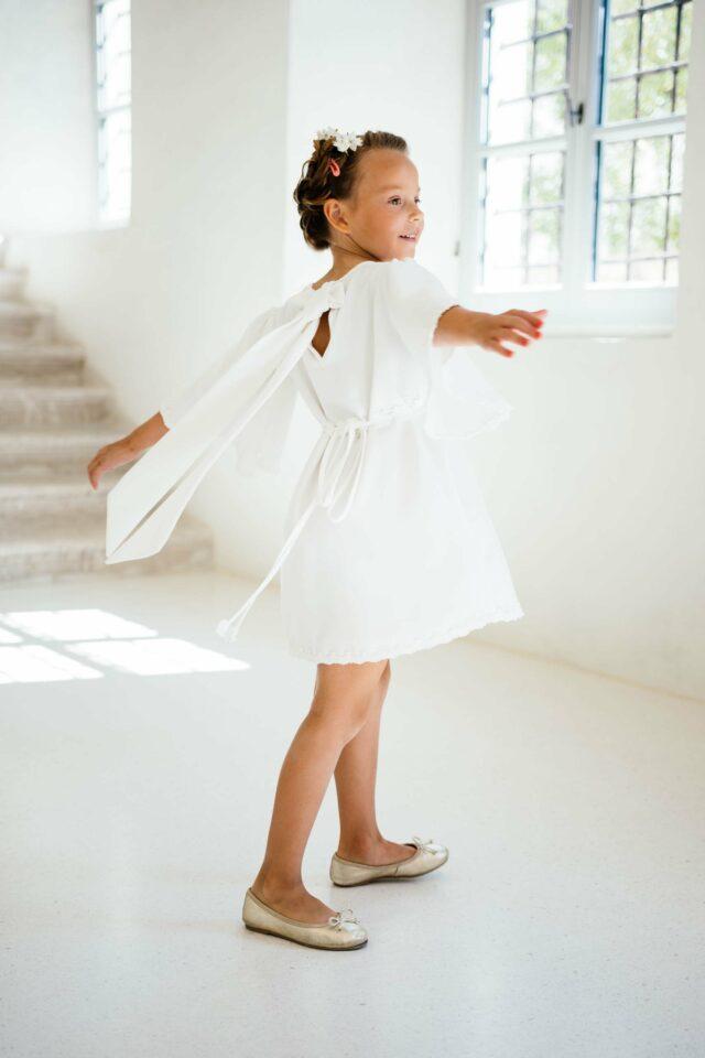 Nachhaltiges Kinderkleid zur Hochzeit –  entzückend mit weiten Engelsärmeln – Miki
