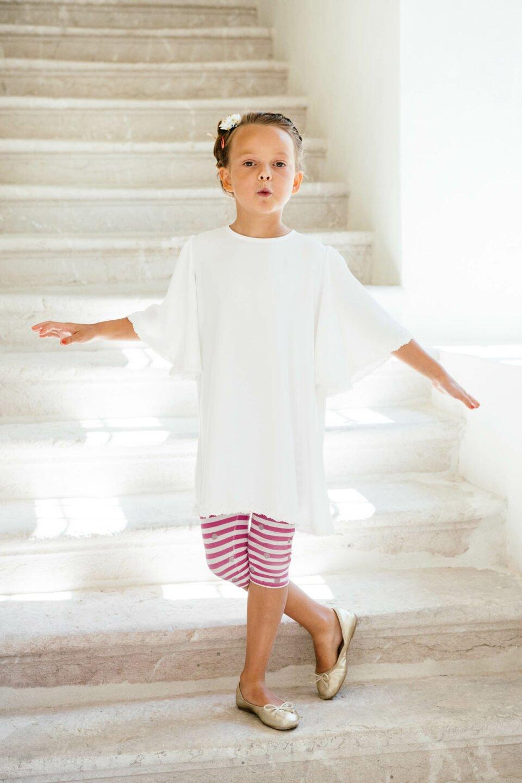 Nachhaltiges Kinderkleid mit Engelsärmel zur Hochzeit
