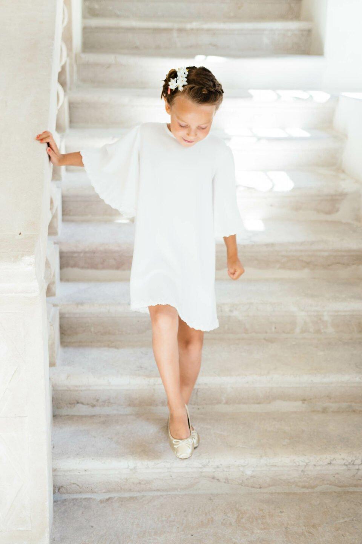 nachhaltiges Kinderkleid mit Engelsärmel