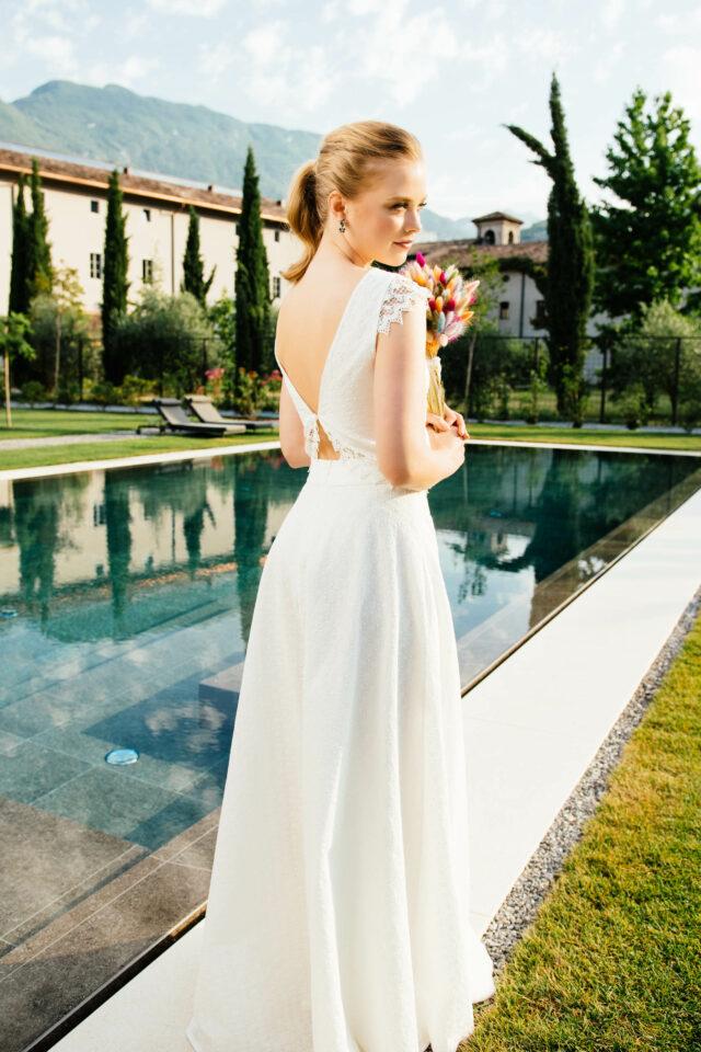 Zweiteiliges Brautkleid aus bestickter Bio Baumwolle – Vegan & bezaubernd